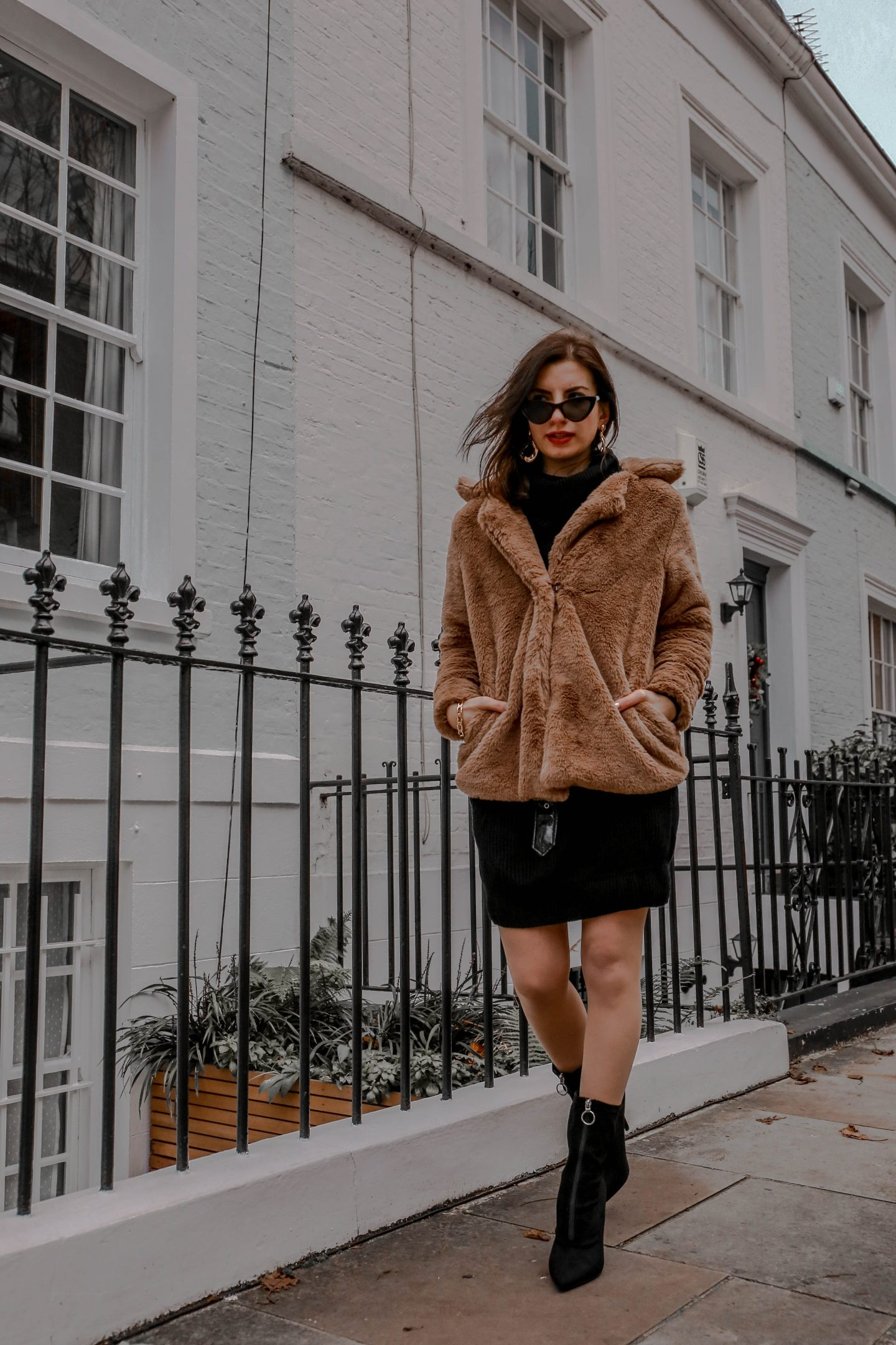 How to Wear the Teddy Bear Trend in 2 Ways