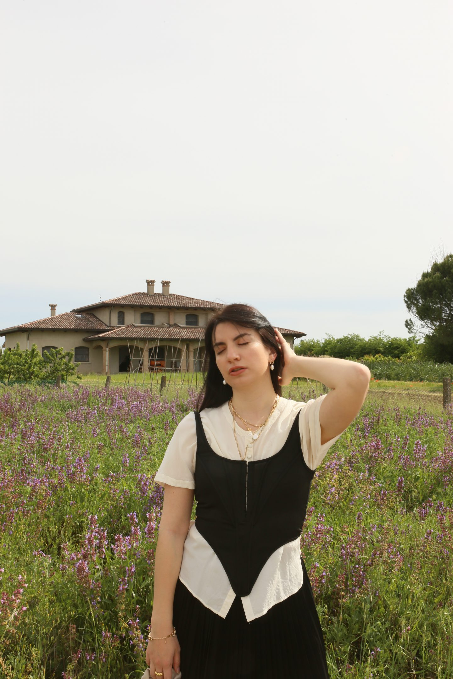 How to get a Romantic Countryside Vibe in your Photos